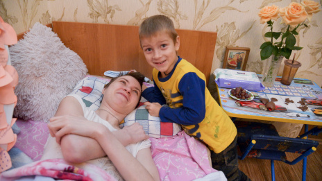 Fairy tale for Kiryusha. Paralyzed mother from Voronezh dreams of New Year miracle for her son