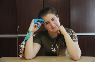 Helping hand. Schoolgirl from Voronezh Region invents innovative bionic prosthesis