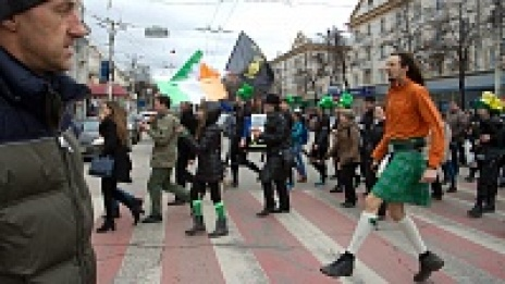 Voronezh Rugby players, Irish dance lovers and movie theater guards joined St. Patrick's Day Parade