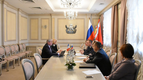 Deputy Prime Minister of Voronezh Region discusses solid waste recycling project with  French